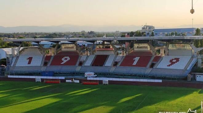 Stadio Garilli nuovi seggiolini