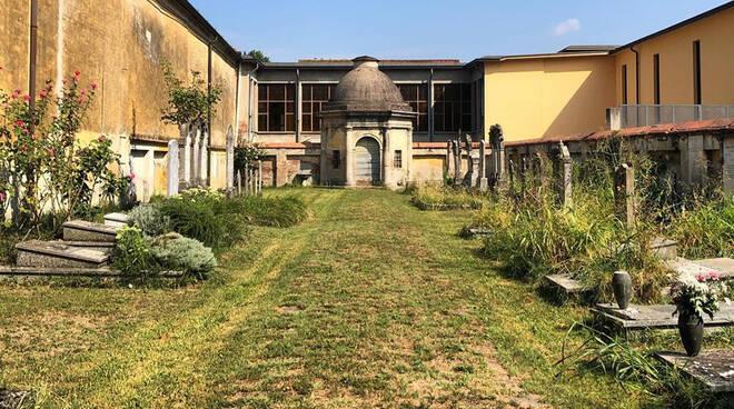 Cimitero ebraico Monticelli (Foto dal profilo Facebook di Fai - Delegazione Piacenza)