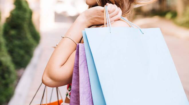 Giovani shopping