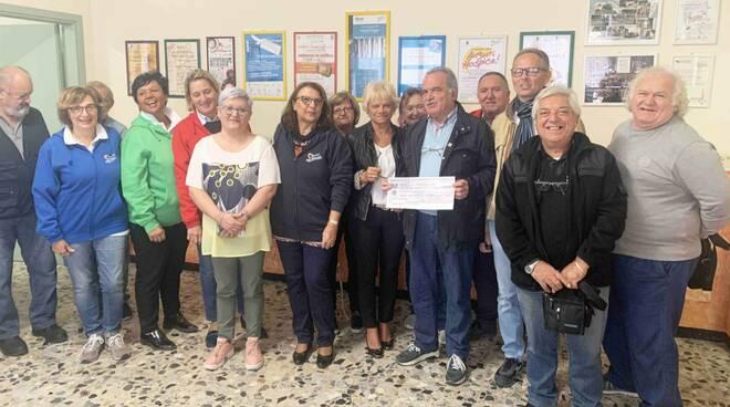 La consegna della donazione all'Hospice di Borgonovo