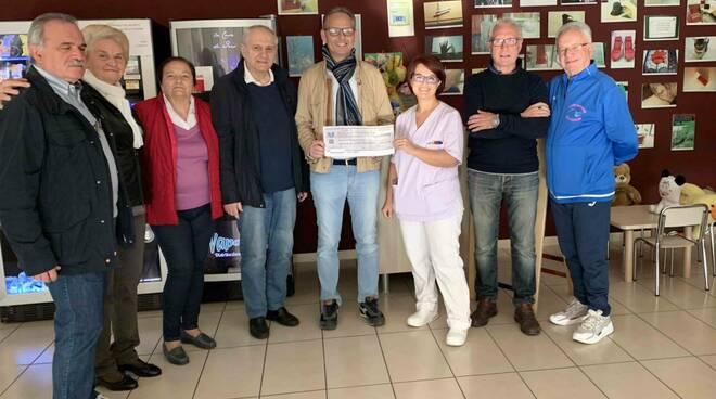 La consegna della donazione all'Hospice di Piacenza
