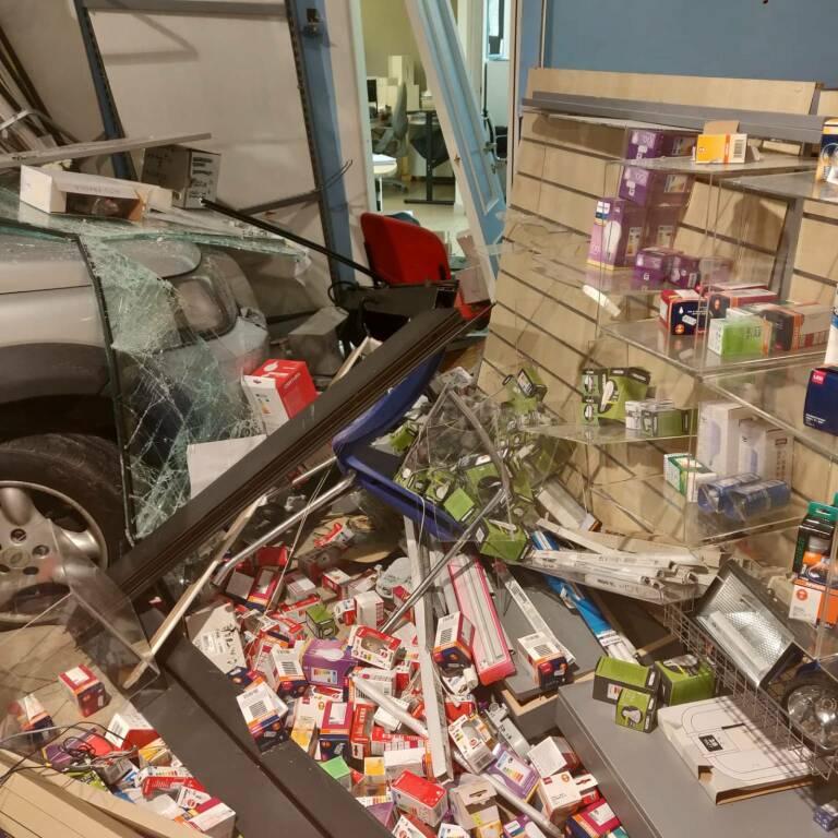 negozio sfondato a Rivergaro