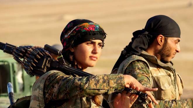 Combattente Curda, foto Wikipedia