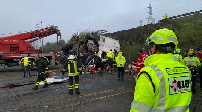 incidente Tir viadotto A21