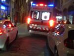 L'intervento dell'ambulanza in via Roma