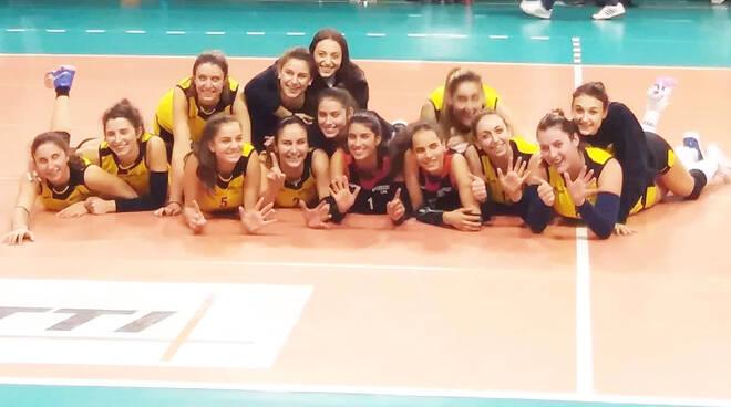 La gioia delle ragazze del Monticelli Volley