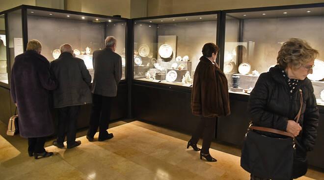 Nuovo allestimento a Palazzo Farnese per la preziosa collezione di ceramiche