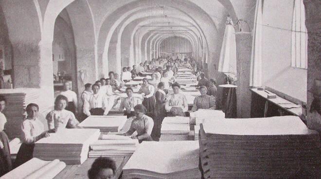 Stabilimento ottocentesco di lavorazione della carta