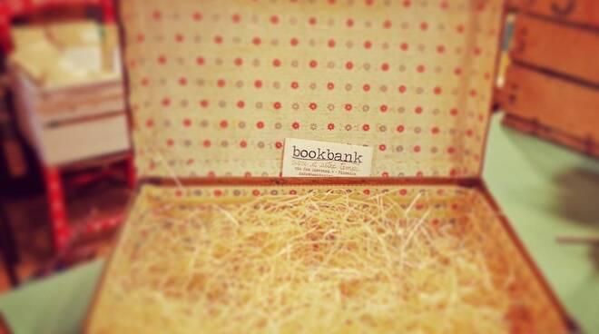 Valigetta di libri