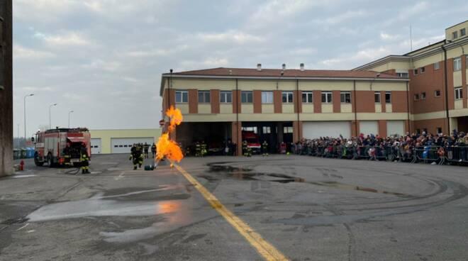 Caserma dei vigili del fuoco aperta