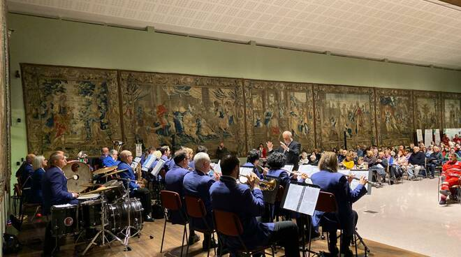 Concerto Banda Ponchielli per Croce Rossa alla Galleria Alberoni