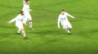 La gioia di Della Latta dopo il gol del pareggio a Reggio Emilia