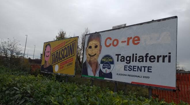 Manifesti elettorali di Tarasconi e Tagliaferri vandalizzati