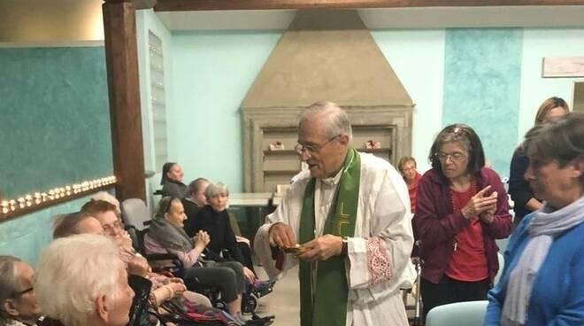 Vescovo Gianni Ambrosio alla casa di riposo sereni orizzonti di Calendasco