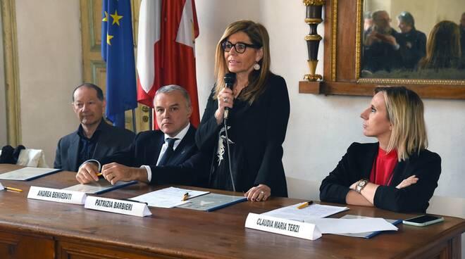 Firma protocollo logistica a Palazzo Farnese (Del Papa)