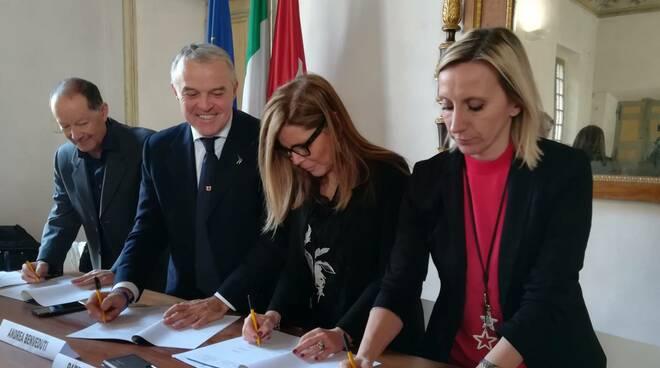 La firma del protocollo d'intesa su logistica