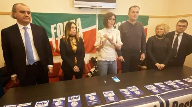 La presentazione dei candidati di Forza Italia con Bernini