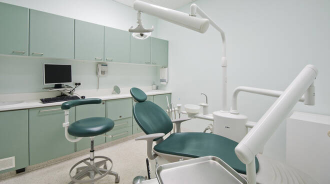 Studio dentistico (foto d'archivio)