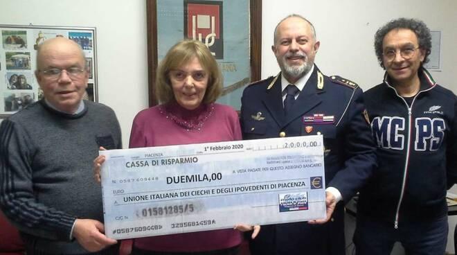 Consegna fondi polizia di stato
