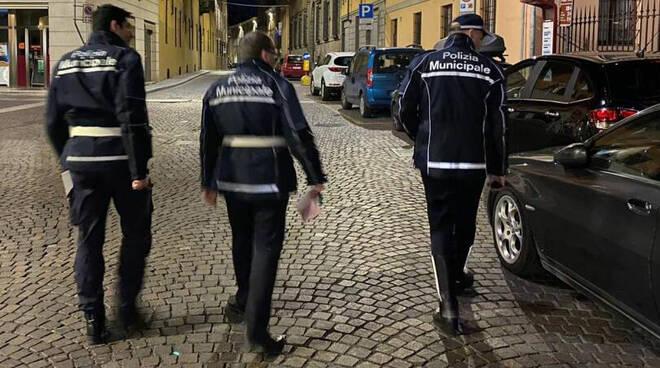 I controlli della polizia locale in Piazza S.Antonino
