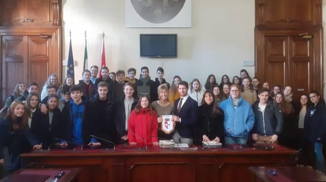 Studenti olandesi in municipio