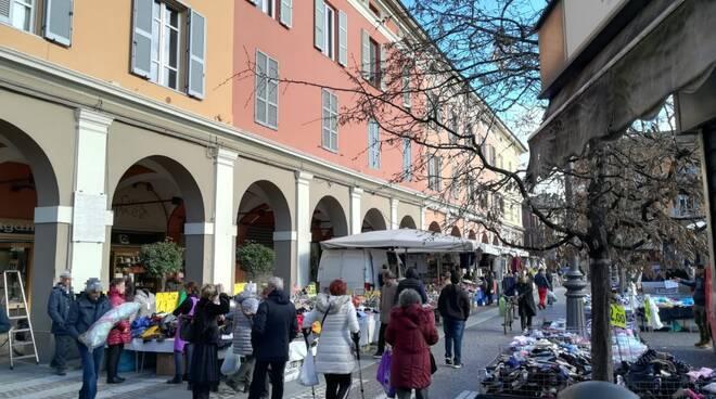 Il Mercato in Piazza Duomo e in Piazza Cavalli