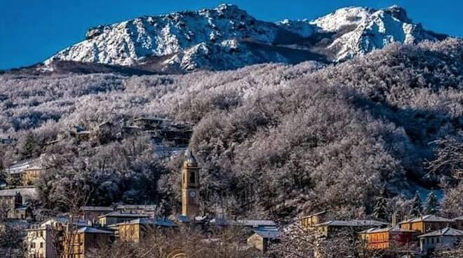 Montagne innevate Piacenza