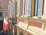 Municipio bandiere a mezz'asta
