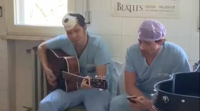 Chirurghi Castel San Giovanni con chitarra