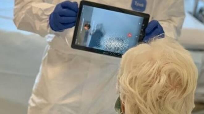 Consegna tablet all'ospedale di Fiorenzuola