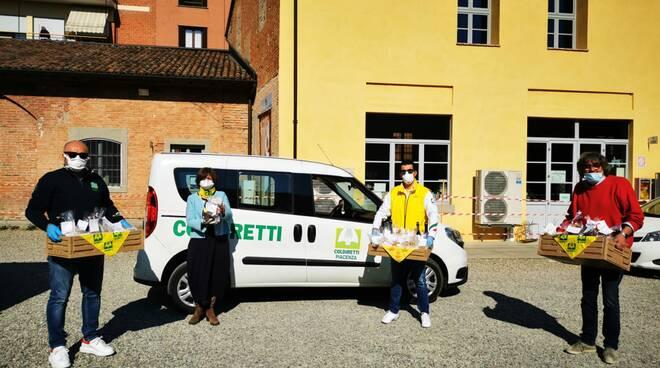Donazione di cibo da Coldiretti a Caritas