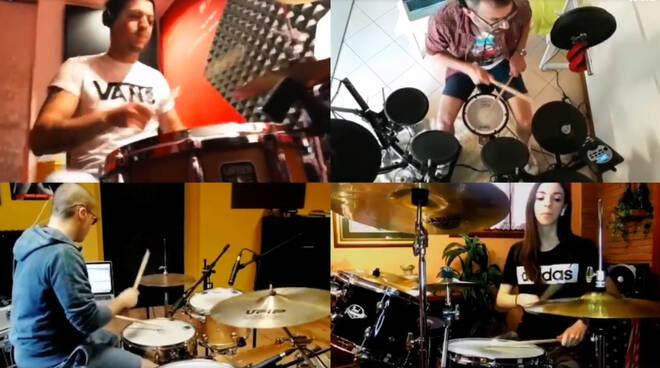 Il video dei batteristi piacentini