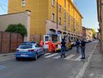 L'intervento delle forze dell'ordine in via San Bartolomeo