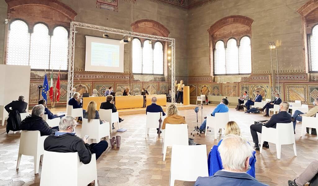 Seduta consiglio comunale a Palazzo Gotico