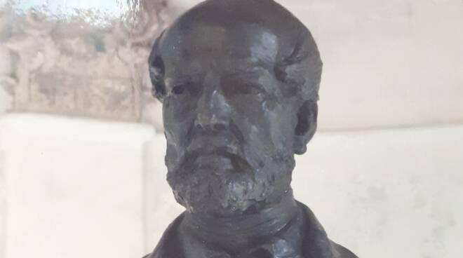 Busto Giuseppe Mazzini