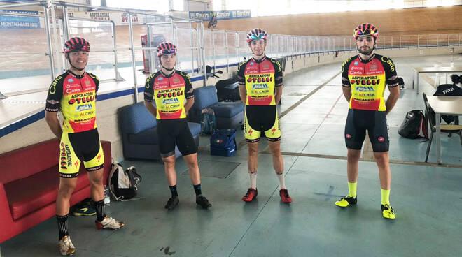 Da sinistra Anselmi, Epis, Calì e Piras al velodromo di Montichiari