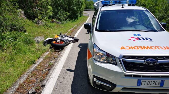 incidente penice motociclista