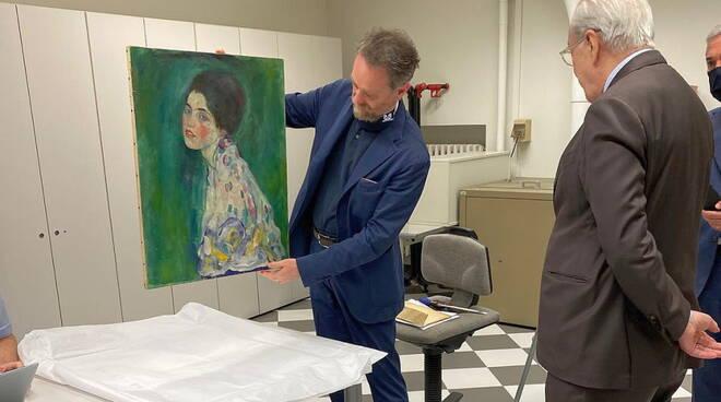 Klimt riconsegnato Banca di Piacenza