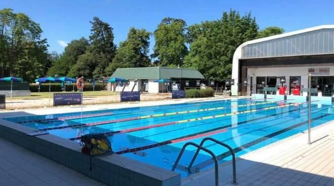 piscina Castelsangiovanni
