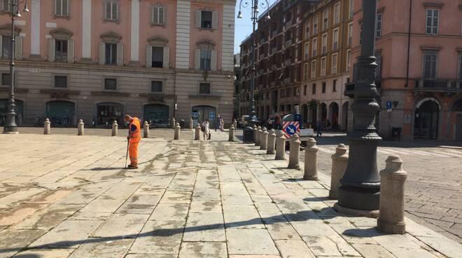 diserbo piante infestanti in Piazza Cavalli