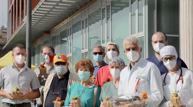 Donazione dei tartufai al personale sanitario