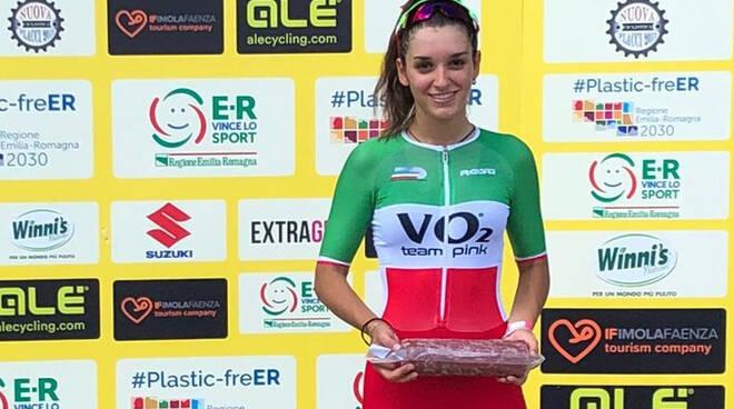 Gasparrini (VO2 Team Pink) sul podio a Imola