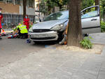 I soccorsi in via Negri dopo l'incidente