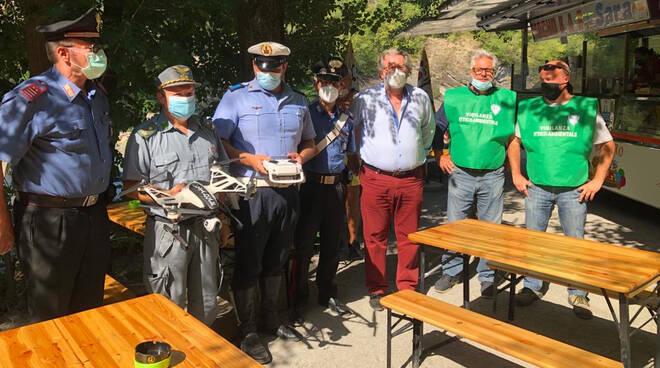 La consegna del drone e del defibrillatore in Trebbia