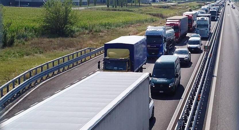 Lo scontro in A21 a Castelsangiovanni