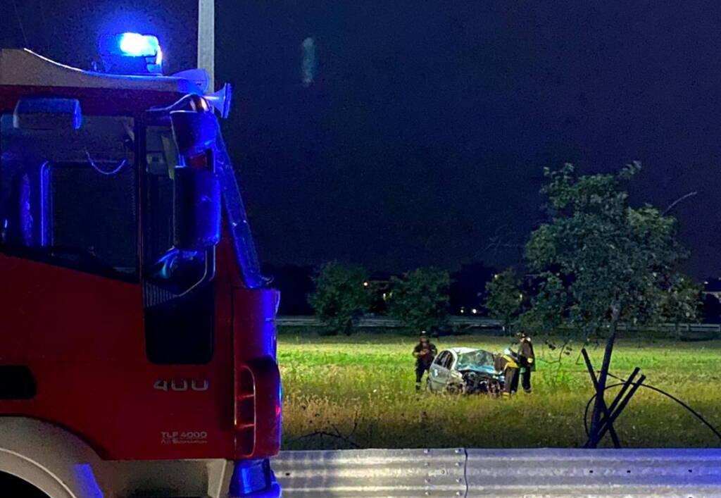 auto incidente Largo Morandi