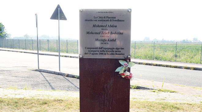 Cerimonia commemorazione tragedia aerea Besurica