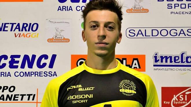 Nella foto di Andrea Scrollavezza, il libero Corrado Rossi (Canottieri Ongina)