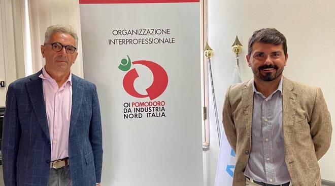 Tiberio Rabboni (presidente OI) ed Alessio Mammi (assessore regionale all'Agricoltura dell'Emilia-Romagna)