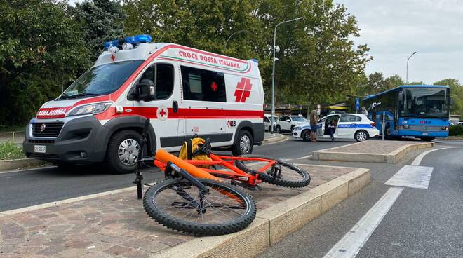 incidente bici via IV Novembre